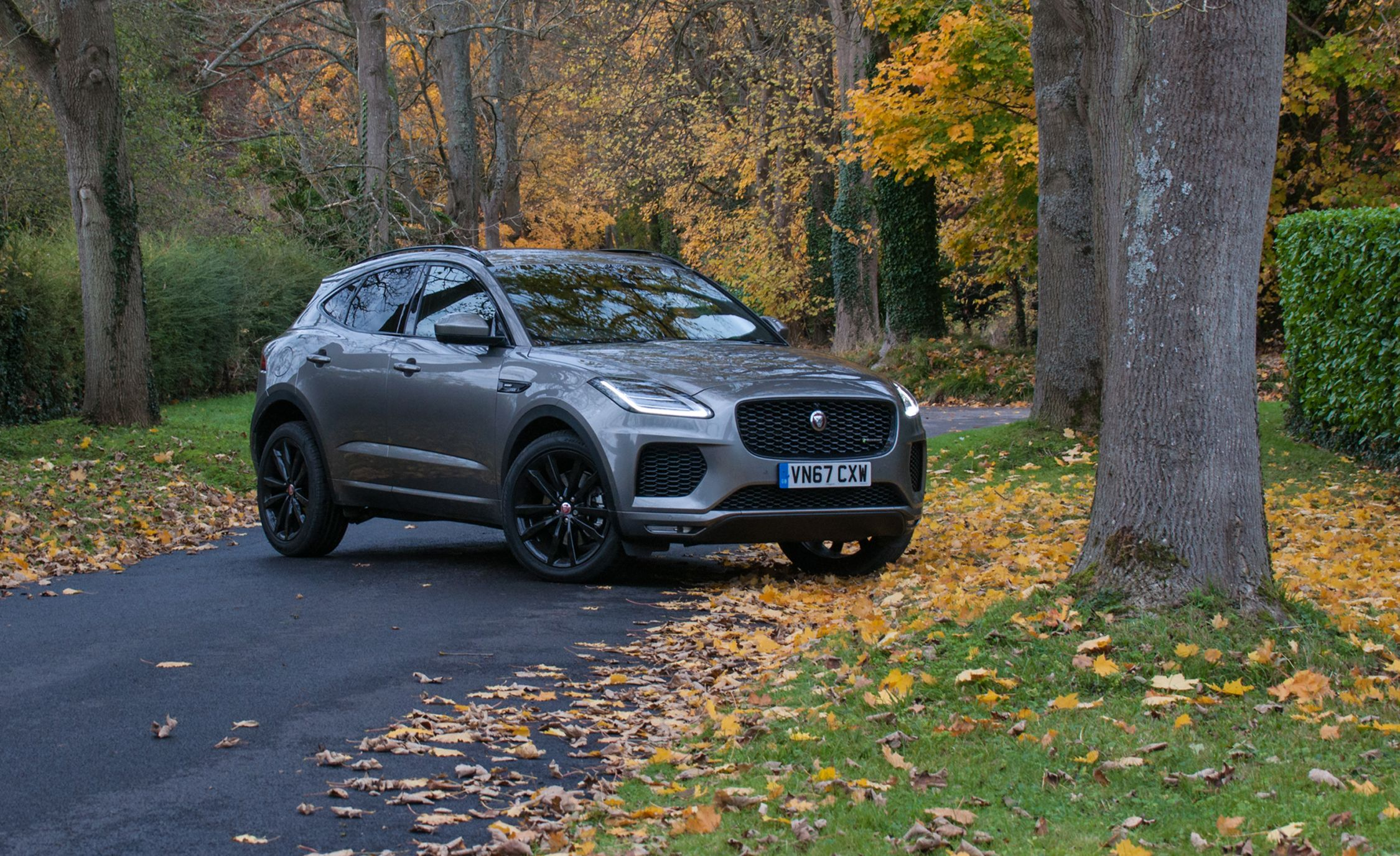 2018 Jaguar E Pace Crossover First Drive Review Car And Driver
