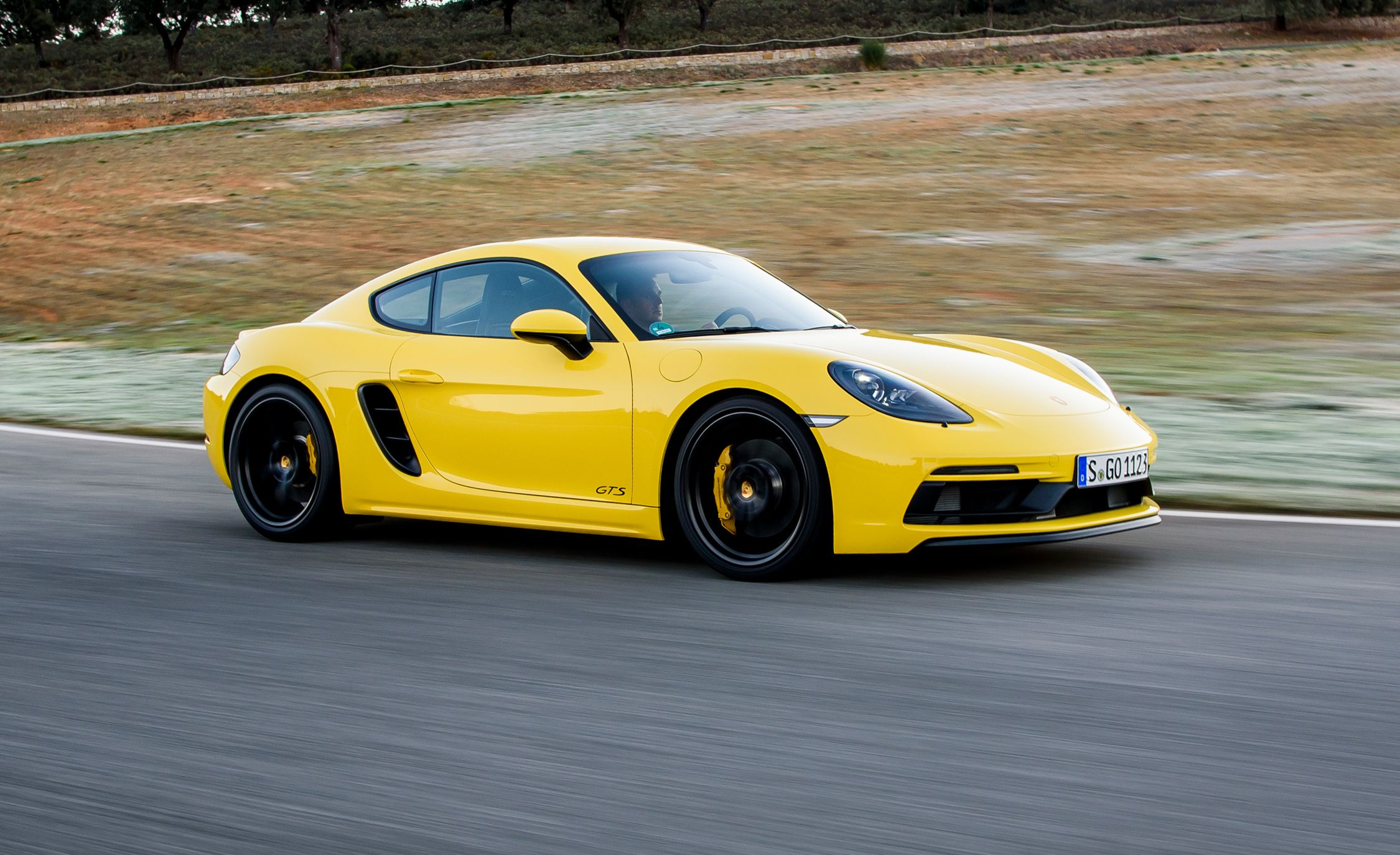 2018 Porsche 718 Boxster Cayman Gts First Drive Review Car And Driver