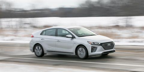 Land vehicle, Vehicle, Car, Mid-size car, Automotive design, Hyundai, Family car, Sedan, Compact car, Hatchback,