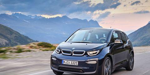 Land vehicle, Vehicle, Car, Motor vehicle, Regularity rally, Automotive design, Bmw, Luxury vehicle, Hatchback, City car,