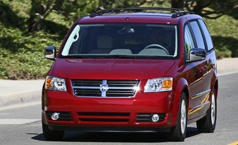 Motor vehicle, Automotive mirror, Transport, Vehicle, Road, Automotive lighting, Infrastructure, Grille, Car, Automotive parking light,