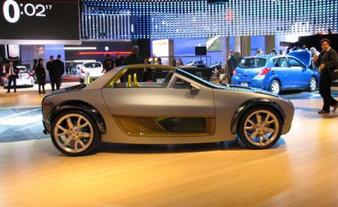 Tire, Wheel, Automotive design, Land vehicle, Vehicle, Event, Rim, Alloy wheel, Car, Automotive wheel system,