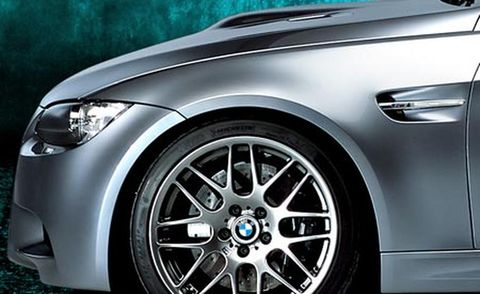 Tire, Wheel, Automotive design, Automotive tire, Alloy wheel, Automotive wheel system, Vehicle, Automotive lighting, Rim, Spoke,