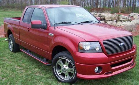 Wheel, Tire, Motor vehicle, Vehicle, Land vehicle, Hood, Automotive tire, Automotive lighting, Grille, Headlamp,