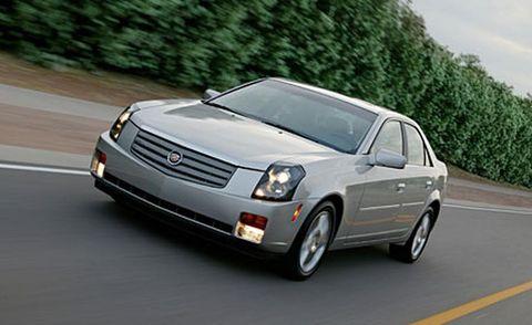 Automotive mirror, Road, Automotive design, Vehicle, Automotive lighting, Infrastructure, Transport, Automotive parking light, Car, Road surface,