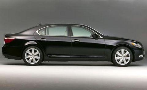 Tire, Wheel, Automotive design, Vehicle, Alloy wheel, Spoke, Rim, Car, Full-size car, Automotive wheel system,