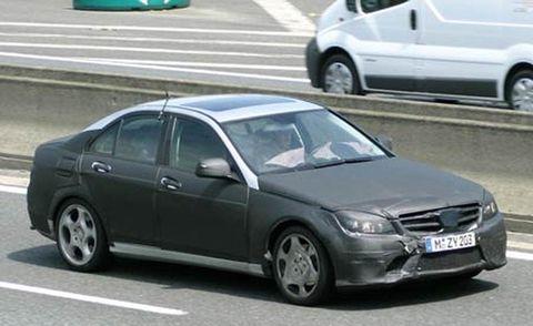 Tire, Motor vehicle, Wheel, Mode of transport, Vehicle, Land vehicle, Automotive tire, Automotive mirror, Alloy wheel, Automotive design,