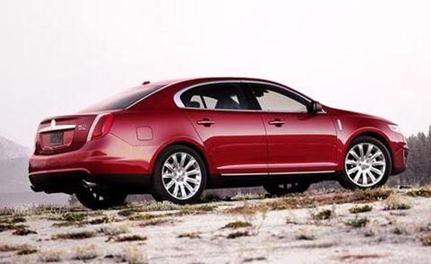 Tire, Wheel, Vehicle, Land vehicle, Automotive design, Car, Rim, Alloy wheel, Full-size car, Mid-size car,
