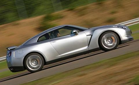 Tire, Wheel, Mode of transport, Automotive design, Automotive tire, Vehicle, Transport, Automotive wheel system, Alloy wheel, Land vehicle,