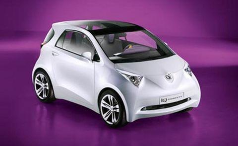 Motor vehicle, Wheel, Mode of transport, Automotive design, Vehicle, Automotive mirror, Transport, Vehicle door, Automotive exterior, Car,