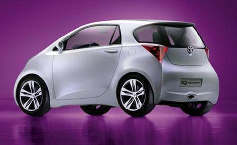 Motor vehicle, Mode of transport, Automotive design, Automotive mirror, Vehicle, Land vehicle, Car, Automotive wheel system, Vehicle door, Automotive exterior,