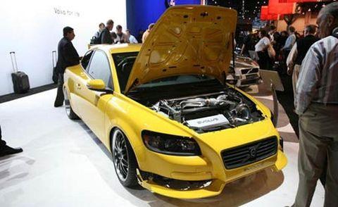 Automotive design, Yellow, Vehicle, Land vehicle, Hood, Car, Fender, Headlamp, Grille, Personal luxury car,