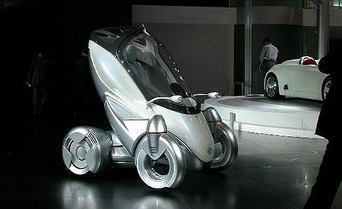 Tire, Motor vehicle, Wheel, Mode of transport, Automotive design, Product, Land vehicle, Automotive wheel system, Automotive tire, Rim,