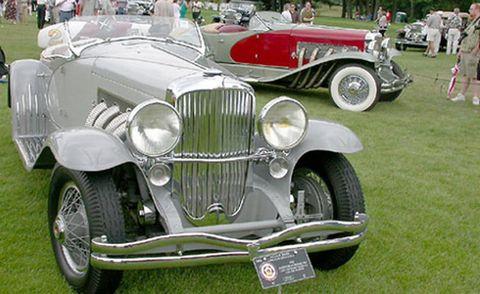 Tire, Wheel, Motor vehicle, Mode of transport, Automotive design, Vehicle, Land vehicle, Transport, Automotive lighting, Classic car,