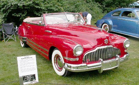 Tire, Wheel, Automotive design, Vehicle, Land vehicle, Automotive wheel system, Transport, Car, Red, Classic car,