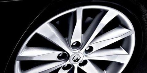Wheel, Alloy wheel, Spoke, Automotive design, Rim, Automotive wheel system, Automotive tire, Hubcap, Synthetic rubber, Auto part,
