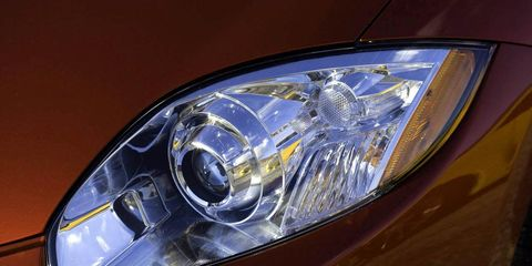 Automotive design, Lighting, Automotive lighting, Yellow, Headlamp, Automotive parking light, Automotive exterior, Amber, Hood, Light,
