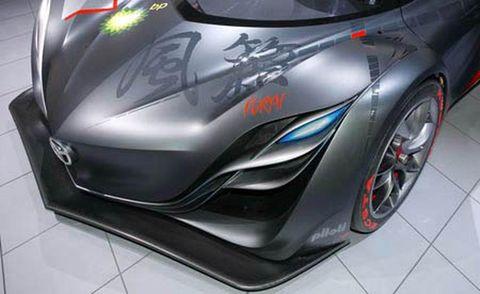 Mode of transport, Automotive design, Vehicle, Land vehicle, Automotive lighting, Fender, Alloy wheel, Rim, Headlamp, Automotive wheel system,