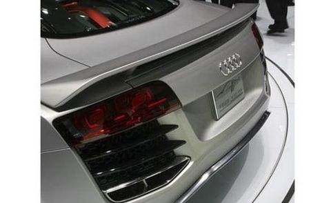 Automotive design, Automotive tail & brake light, Vehicle, Event, Car, Automotive lighting, Personal luxury car, Vehicle registration plate, Luxury vehicle, Bumper,