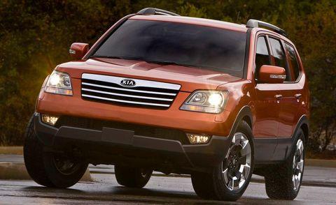 Motor vehicle, Tire, Wheel, Automotive tire, Vehicle, Land vehicle, Automotive design, Automotive mirror, Automotive lighting, Transport,