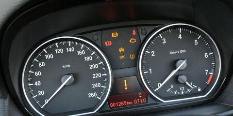 Mode of transport, Transport, Speedometer, Gauge, Tachometer, Orange, Measuring instrument, Odometer, Trip computer, Fuel gauge,