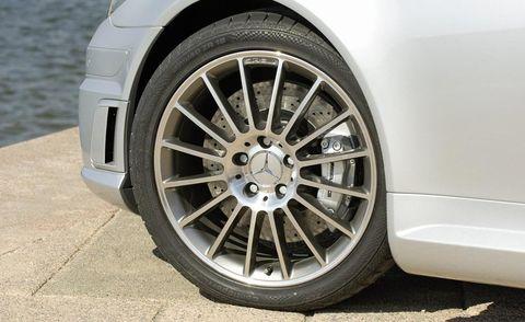 Tire, Wheel, Automotive tire, Automotive design, Alloy wheel, Automotive wheel system, Automotive exterior, Rim, Spoke, Synthetic rubber,