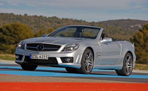 Tire, Wheel, Mode of transport, Automotive design, Vehicle, Alloy wheel, Mercedes-benz, Car, Personal luxury car, Hood,