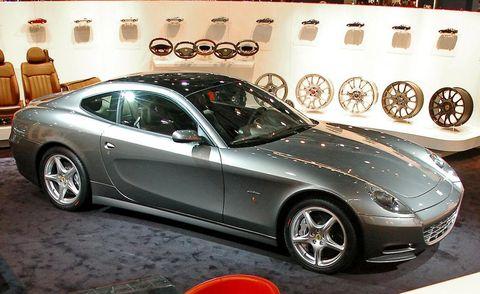 Tire, Wheel, Automotive design, Vehicle, Rim, Alloy wheel, Spoke, Car, Performance car, Automotive parking light,