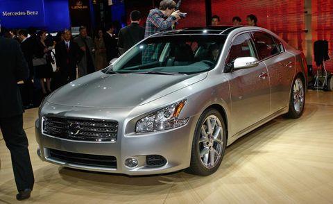 Tire, Wheel, Automotive design, Vehicle, Event, Land vehicle, Car, Full-size car, Headlamp, Grille,