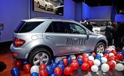 Tire, Motor vehicle, Wheel, Automotive design, Vehicle, Land vehicle, Car, Balloon, Sport utility vehicle, Alloy wheel,