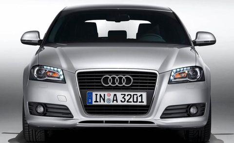 Motor vehicle, Automotive design, Vehicle, Product, Automotive lighting, Land vehicle, Transport, Grille, Automotive exterior, Car,