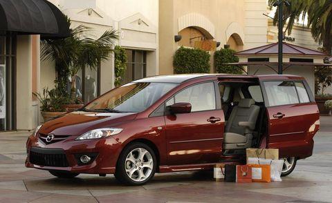 Tire, Wheel, Motor vehicle, Mode of transport, Automotive mirror, Vehicle, Land vehicle, Transport, Window, Glass,