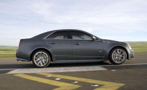 Tire, Wheel, Automotive tire, Automotive design, Alloy wheel, Vehicle, Rim, Spoke, Car, Automotive wheel system,