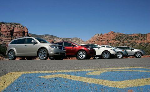 Tire, Wheel, Motor vehicle, Vehicle, Land vehicle, Automotive mirror, Alloy wheel, Automotive tire, Rim, Car,