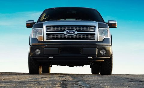 Motor vehicle, Tire, Automotive tire, Automotive design, Automotive exterior, Vehicle, Automotive lighting, Land vehicle, Hood, Grille,