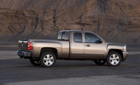 Motor vehicle, Wheel, Tire, Automotive tire, Vehicle, Natural environment, Automotive exterior, Land vehicle, Pickup truck, Window,