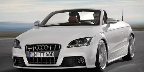 Mode of transport, Automotive design, Automotive mirror, Vehicle, Transport, Land vehicle, Car, Hood, Personal luxury car, Vehicle door,