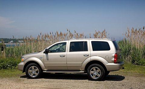 Tire, Wheel, Automotive tire, Vehicle, Land vehicle, Rim, Car, Automotive parking light, Alloy wheel, Automotive mirror,