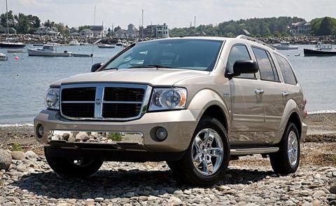 Tire, Wheel, Motor vehicle, Automotive tire, Vehicle, Transport, Land vehicle, Rim, Coastal and oceanic landforms, Car,