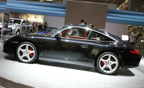 Tire, Wheel, Automotive design, Vehicle, Alloy wheel, Land vehicle, Rim, Automotive tire, Automotive wheel system, Performance car,