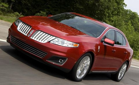 Tire, Vehicle, Automotive tire, Automotive design, Automotive lighting, Transport, Car, Alloy wheel, Grille, Rim,