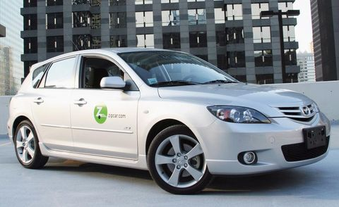 Tire, Wheel, Motor vehicle, Automotive tire, Window, Daytime, Glass, Vehicle, Automotive design, Automotive mirror,