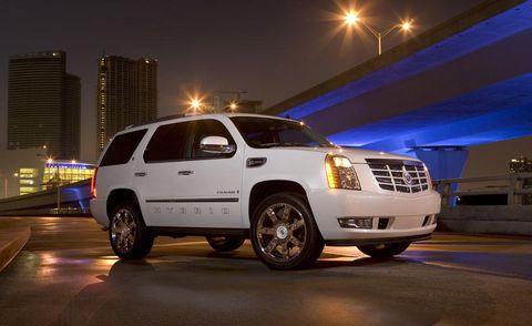 Motor vehicle, Tire, Wheel, Vehicle, Automotive tire, Transport, Automotive design, Automotive lighting, Land vehicle, Headlamp,