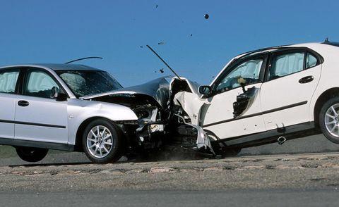 Tire, Wheel, Motor vehicle, Automotive tire, Mode of transport, Vehicle, Land vehicle, Automotive wheel system, Alloy wheel, Rim,