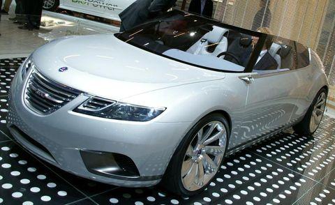 Tire, Wheel, Mode of transport, Automotive design, Vehicle, Event, Land vehicle, Car, Automotive mirror, Personal luxury car,