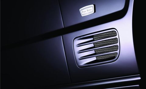 Automotive exterior, Logo, Parallel, Grille, Machine, Silver, Trademark, Steel,