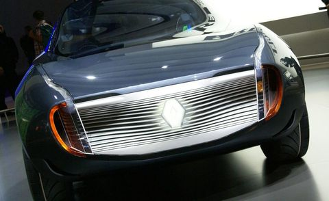 Automotive design, Vehicle, Land vehicle, Grille, Automotive lighting, Headlamp, Car, Hood, Automotive exterior, Personal luxury car,