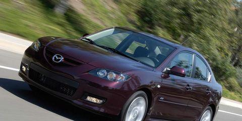Tire, Automotive design, Vehicle, Automotive mirror, Land vehicle, Car, Rim, Hood, Automotive wheel system, Automotive tire,