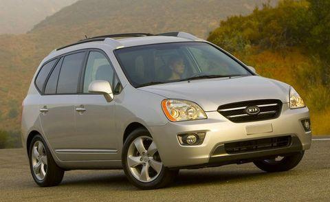 Tire, Motor vehicle, Wheel, Automotive mirror, Mode of transport, Daytime, Vehicle, Automotive design, Transport, Land vehicle,