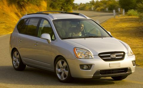 Motor vehicle, Tire, Automotive mirror, Daytime, Vehicle, Transport, Automotive design, Land vehicle, Car, Headlamp,